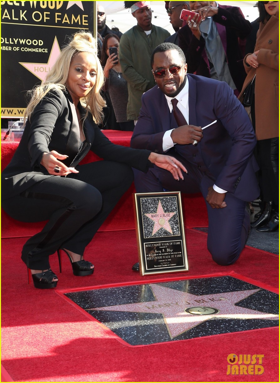 mary j blige receives star on hollywood walk of fame 124012710