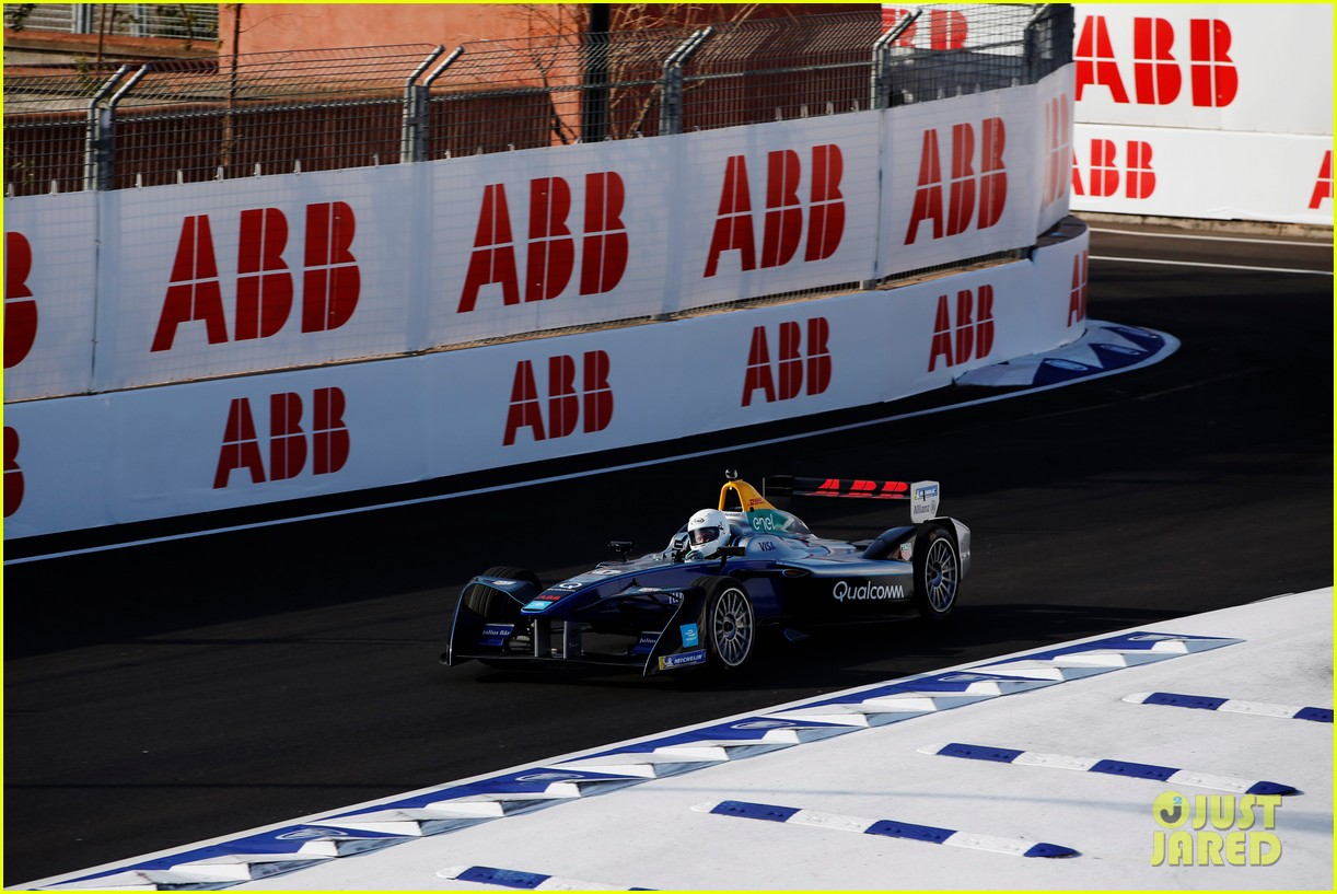 orlando bloom celebrates 41st birthday with racing in morocco 094014208