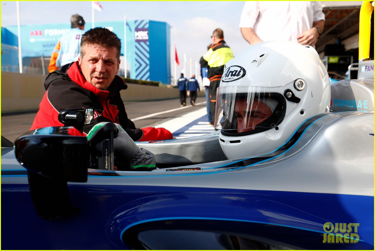orlando bloom celebrates 41st birthday with racing in morocco 114014210