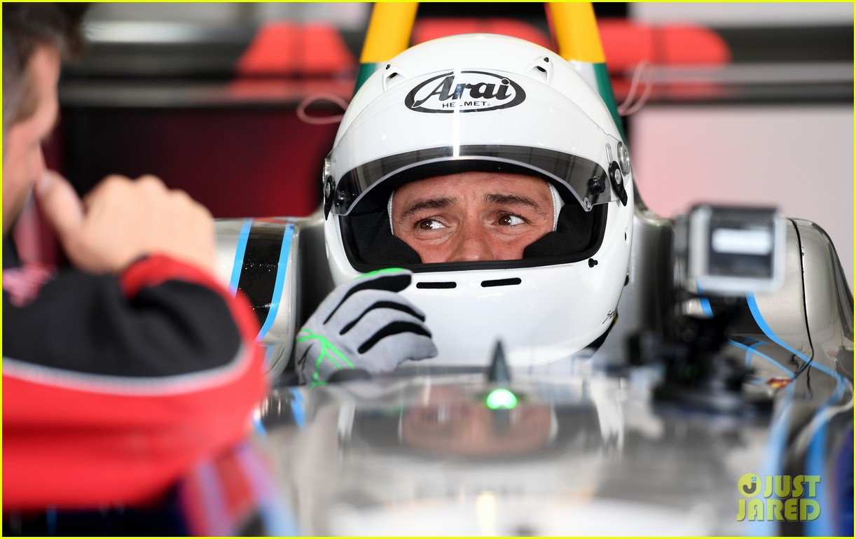 orlando bloom celebrates 41st birthday with racing in morocco 154014214