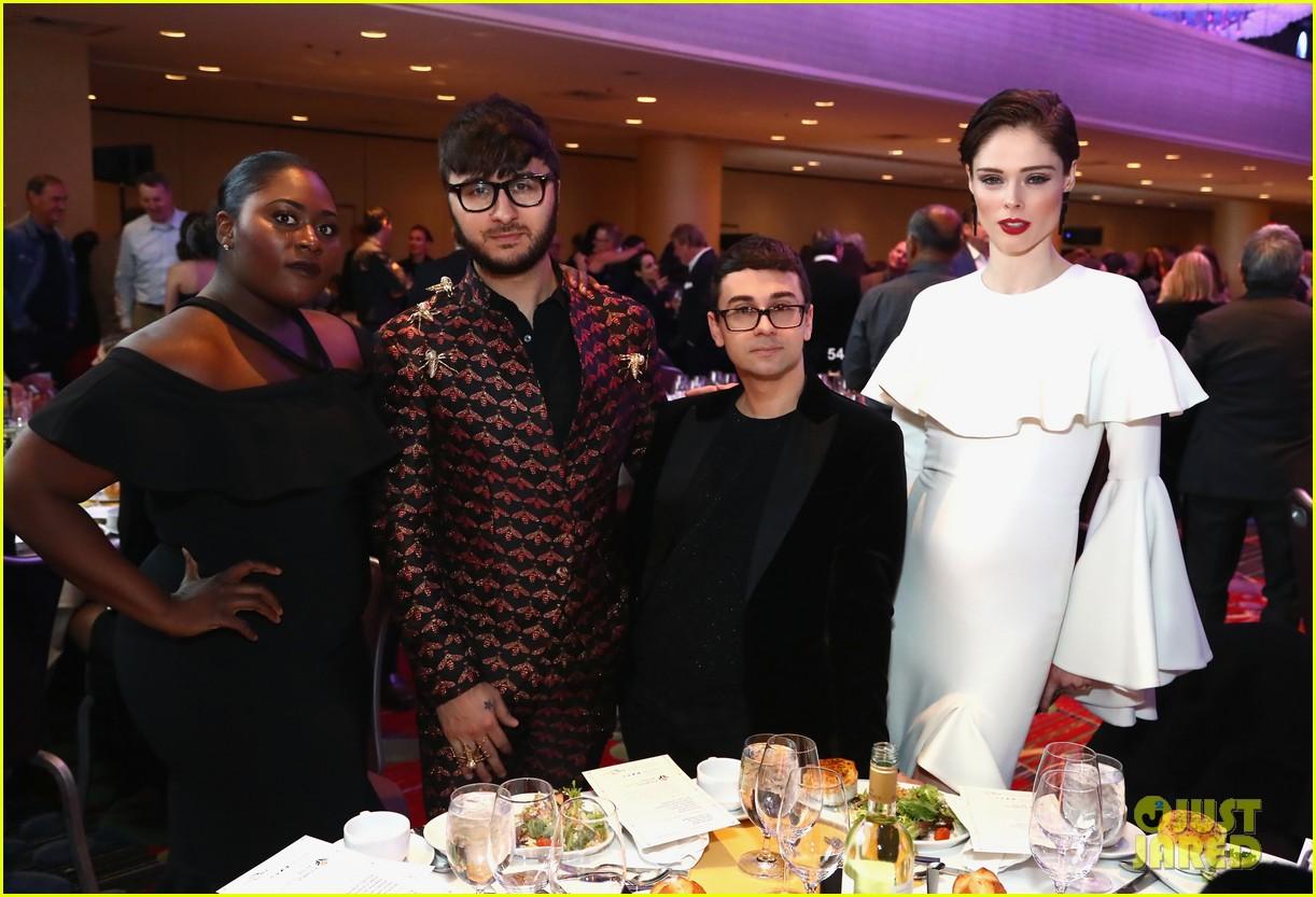 danielle brooks pregnant coco rocha attend fashion scholarship fund dinner 034012079