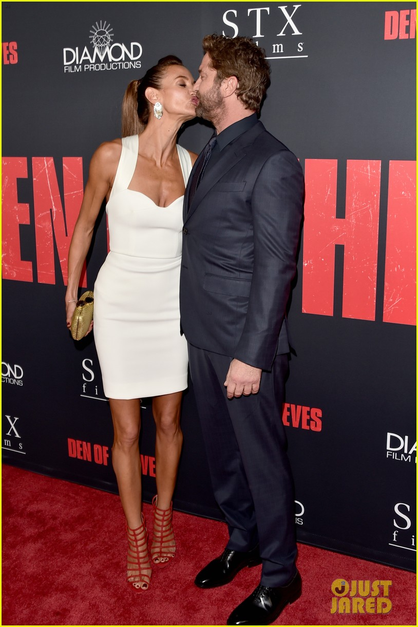 gerard butler brings girlfriend morgan brown to den of thieves premiere 114016120