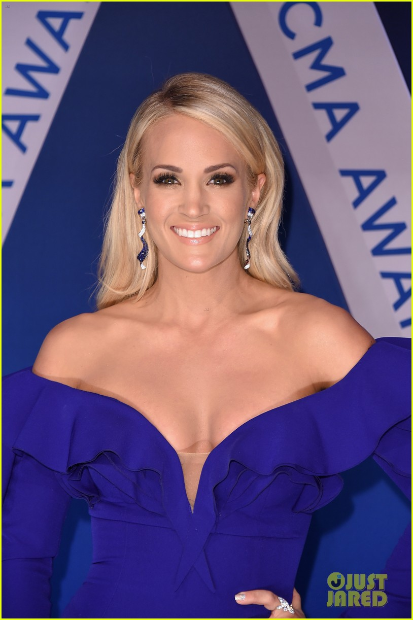 carrie underwood photographed 084007001