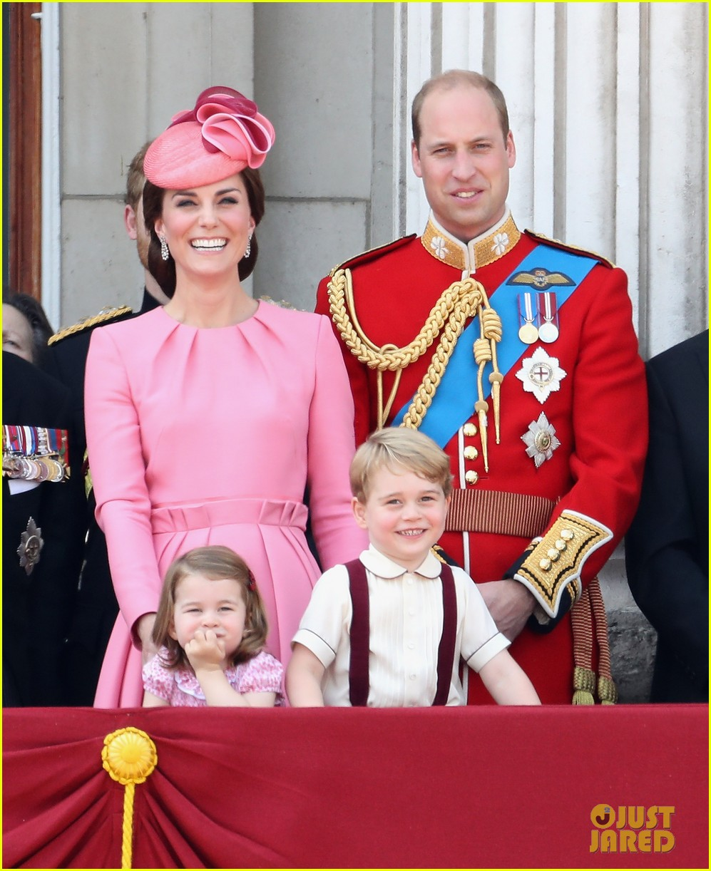 queen elizabeth jokes that princess charlotte bosses older. Black Bedroom Furniture Sets. Home Design Ideas