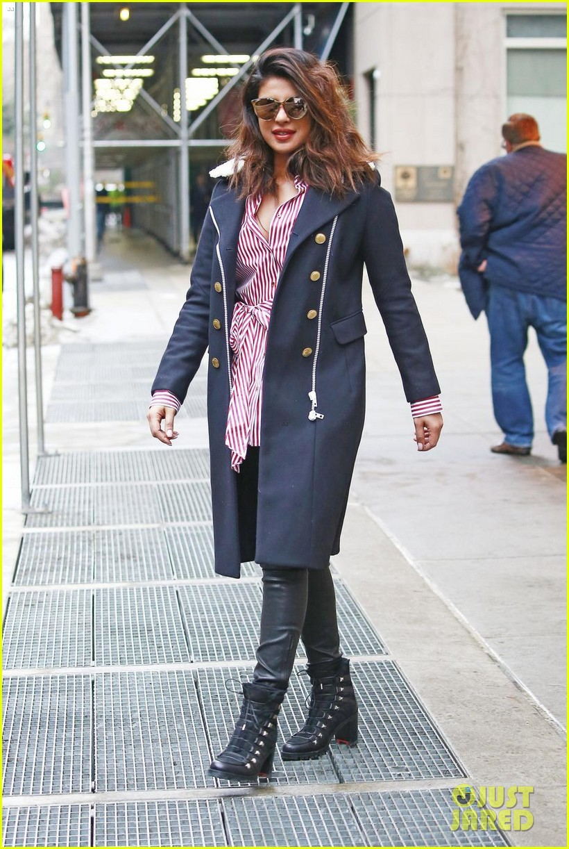 priyanka chopra and marlee matlin team up on quantico set 014014055