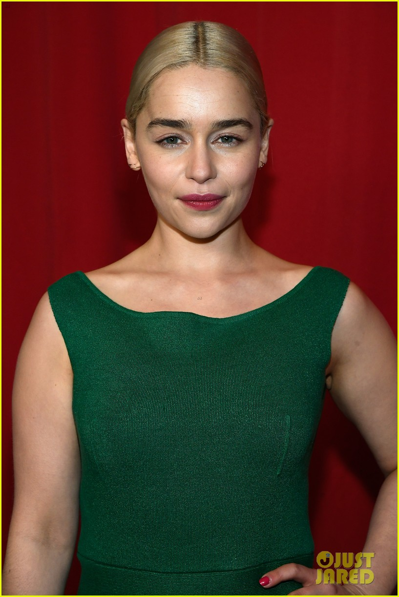 Emilia Clarke Meets The This Is Us Cast At Afi Awards
