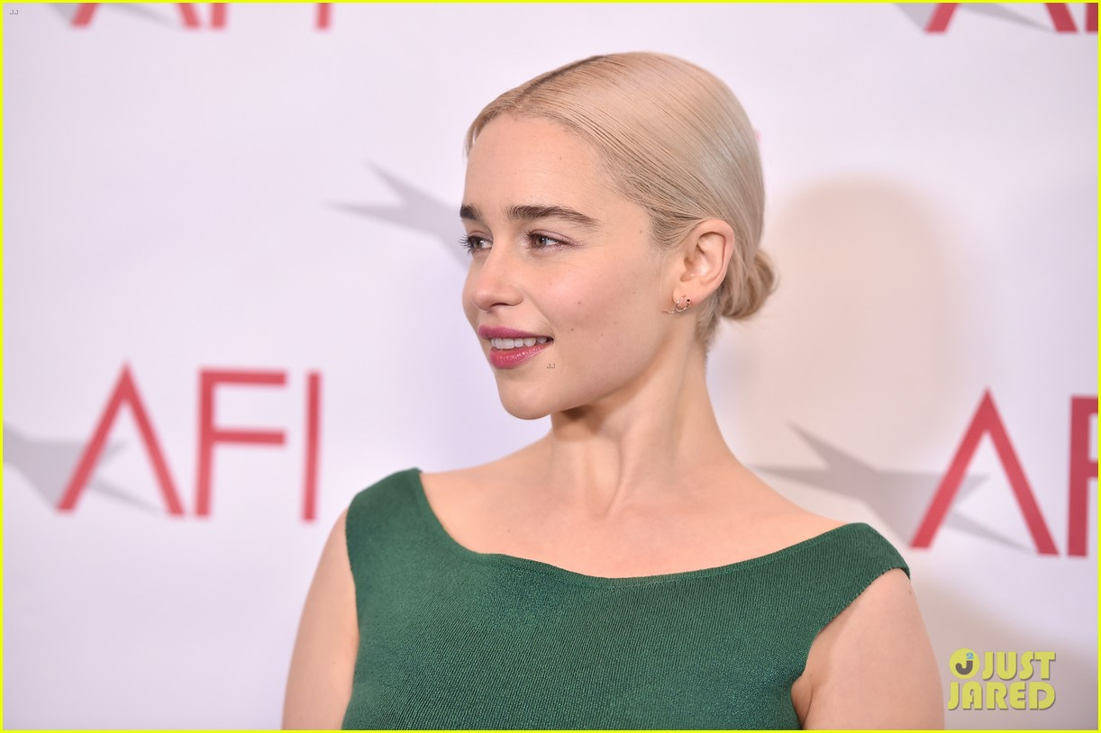 emilia clarke meets the this is us cast at afi awards 2018 photo