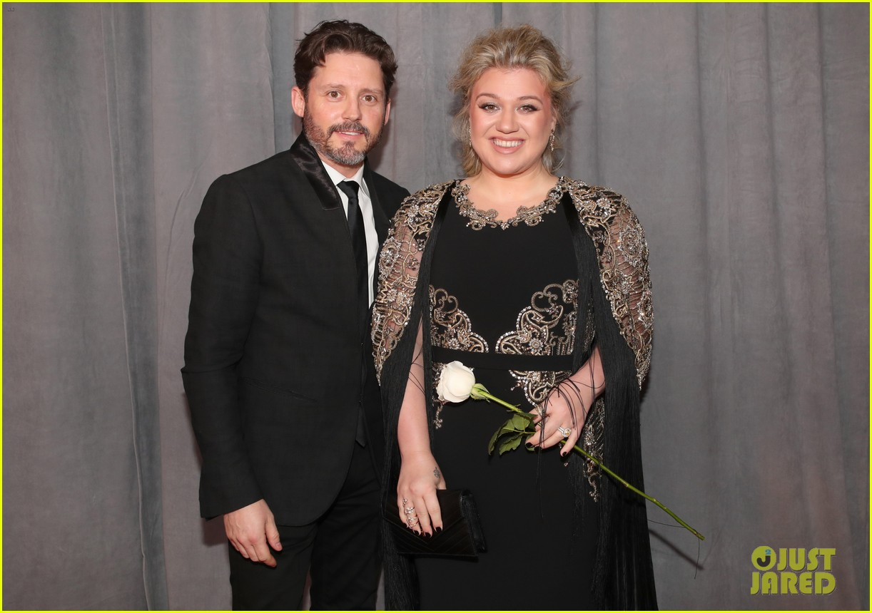 kelly clarkson grammys 2018 red carpet 034022782