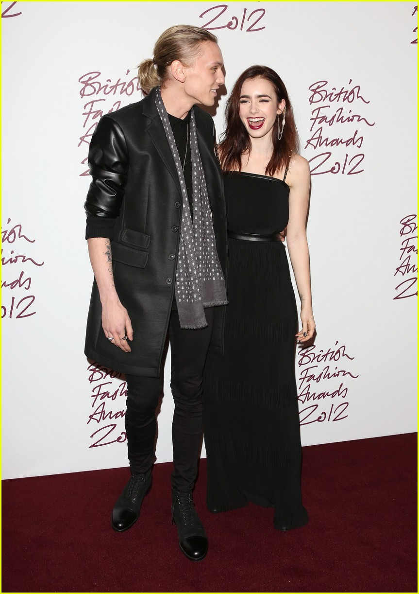 Are lily collins and jamie campbell bower dating again
