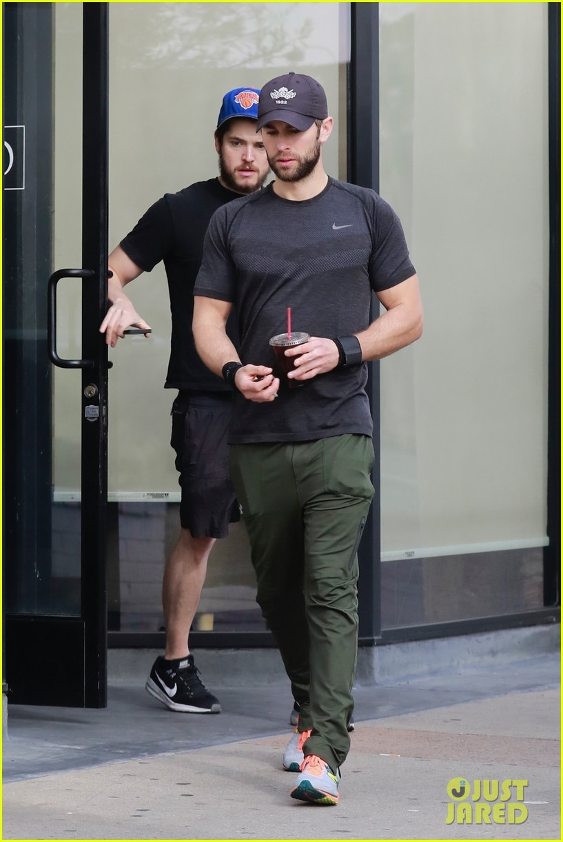 chace crawford looks buff leaving the gym in la 014015692