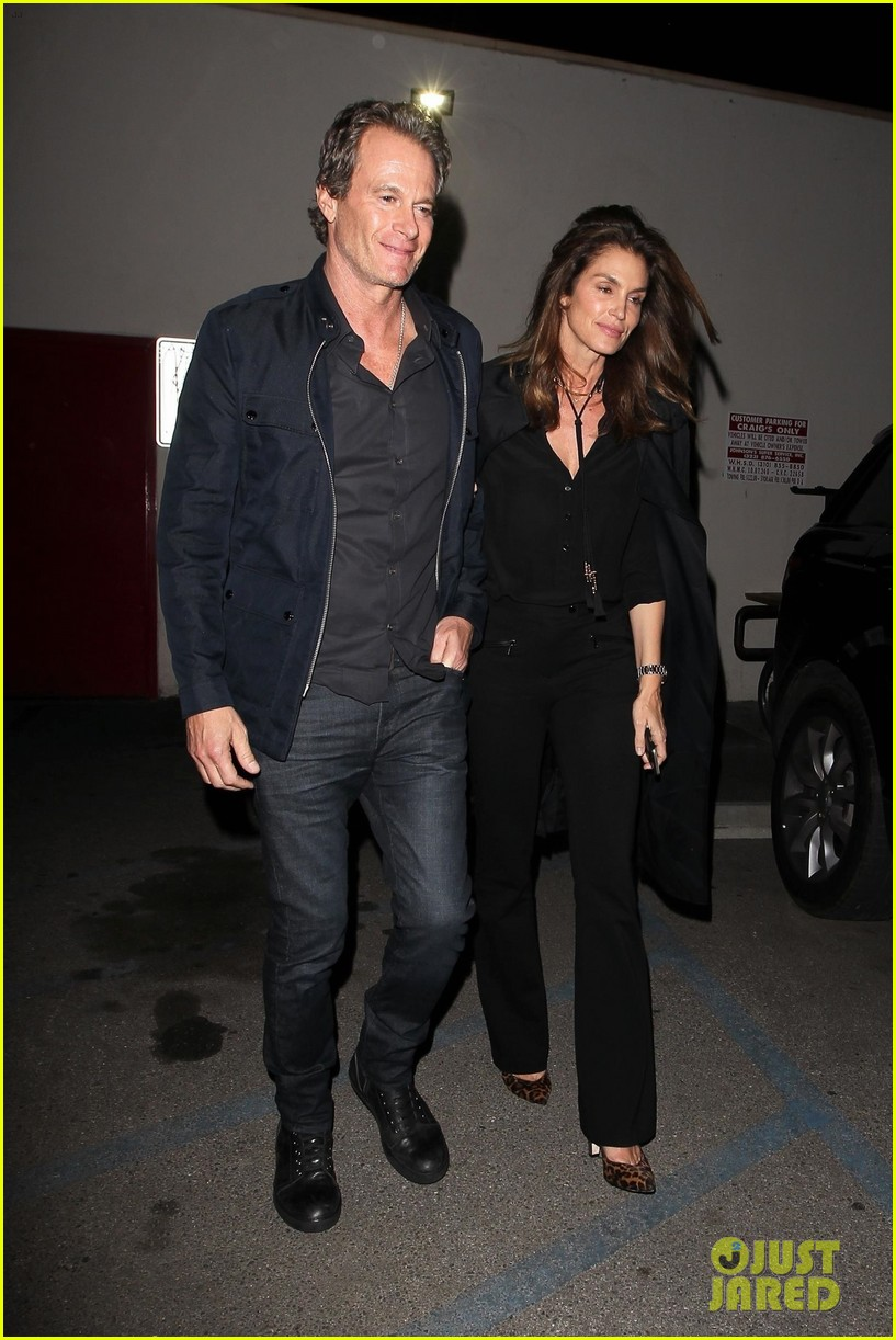 cindy crawford rande gerber step out for date night in weho 014014353