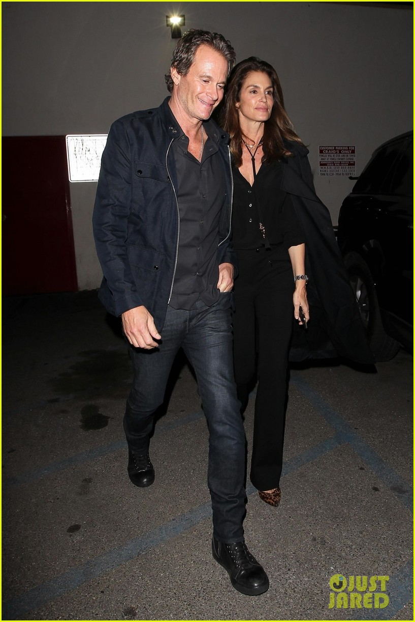 cindy crawford rande gerber step out for date night in weho 054014357
