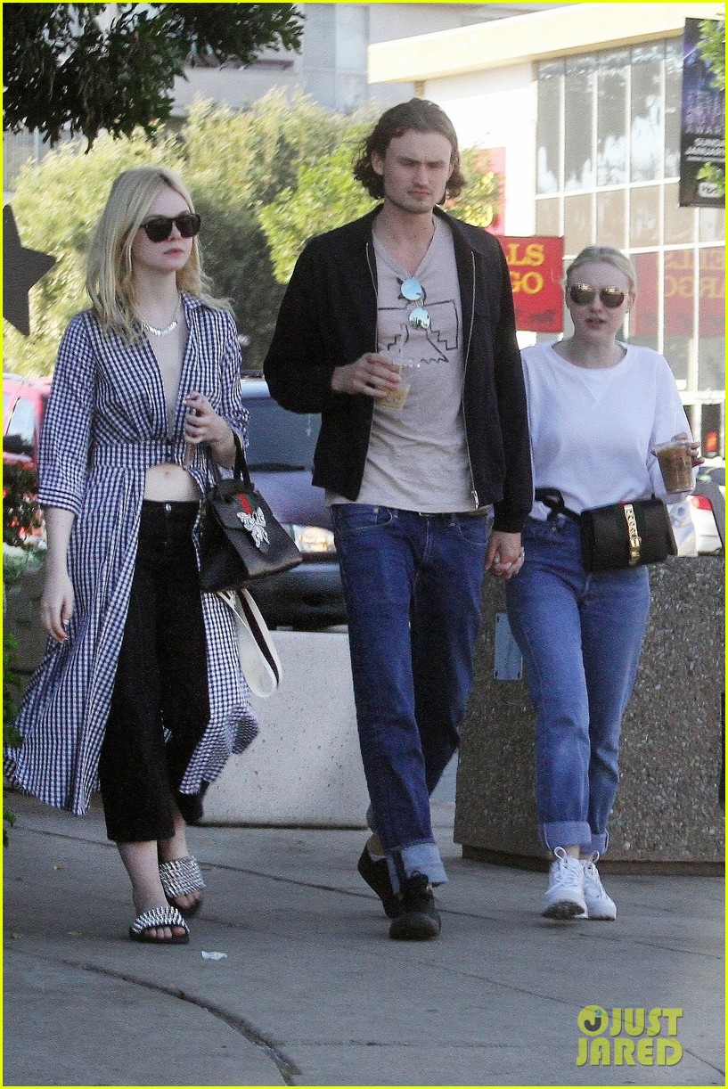 Elle Fanning And Boyfriend Dakota Fanning ...