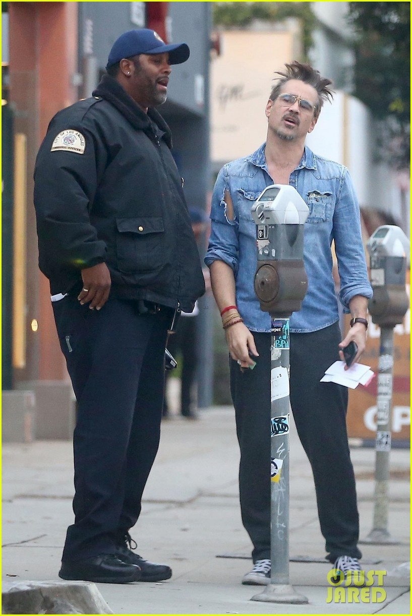 colin farrell looks totally bummed after getting a parking ticket 054007744