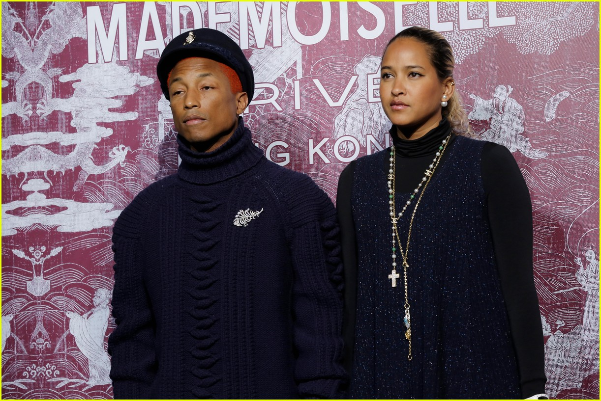 kaia gerber and pharrell williams are chanel chic in hong kong 024014039