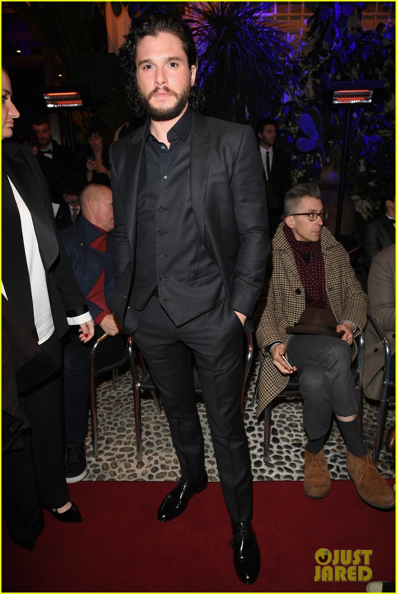 kit harington attends two dolce fashion shows in one day 014014272