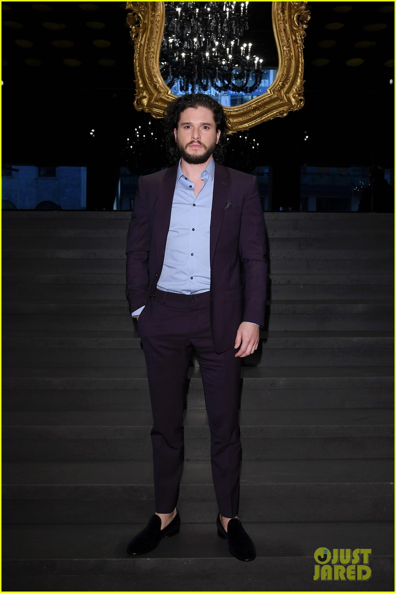 kit harington attends two dolce fashion shows in one day 044014275