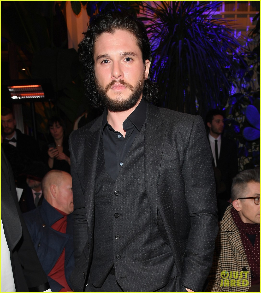 kit harington attends two dolce fashion shows in one day 054014276