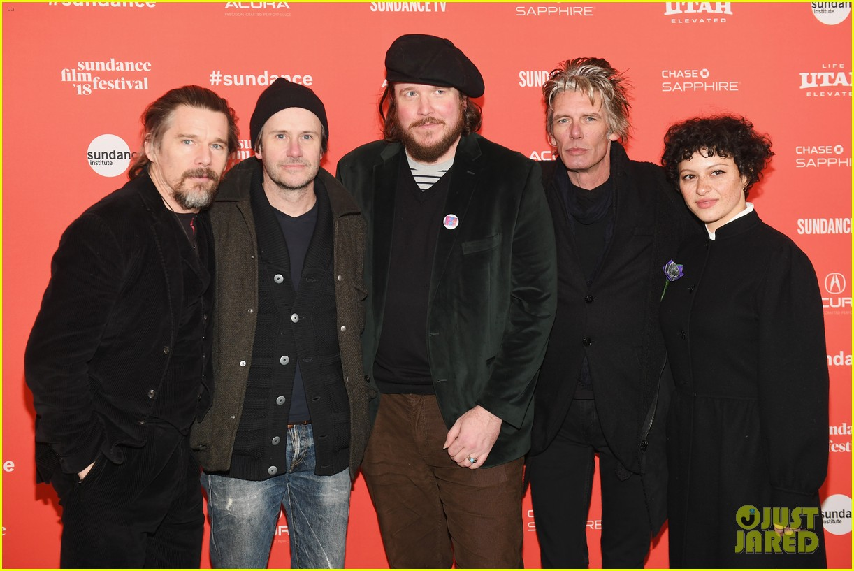 ethan hawke joaquin phoenix jason segal debut films at sundance film festival 2018 104019415