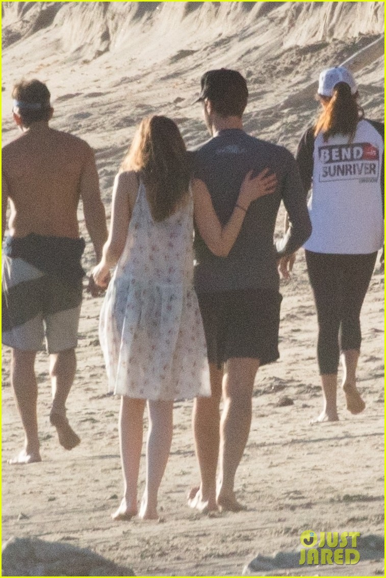 dakota johnson chris martin beach photos 124015210