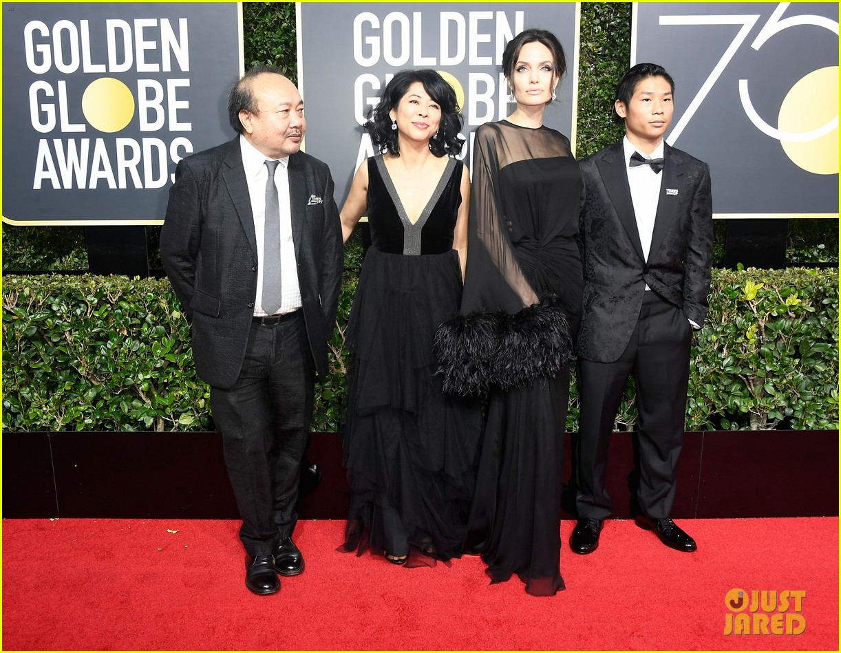 angelina jolie son pax wears times up pin golden globes 2018 034010334