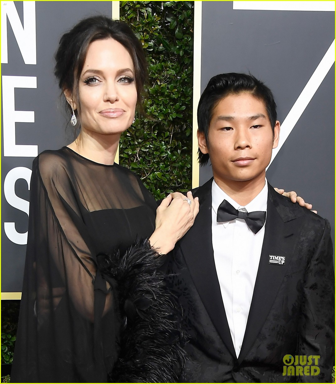 angelina jolie son pax wears times up pin golden globes 2018 044010335
