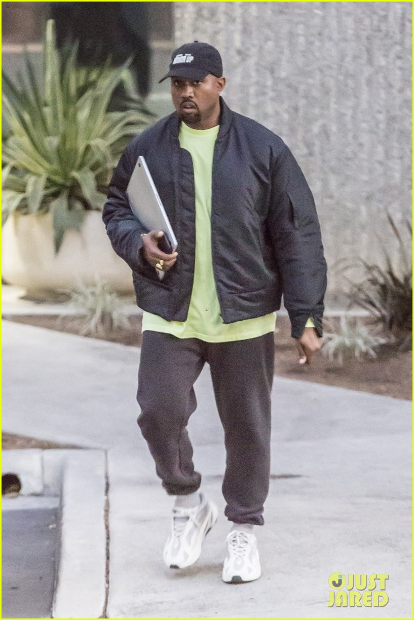 kanye west is all smiles after chicagos name revealed 014017609