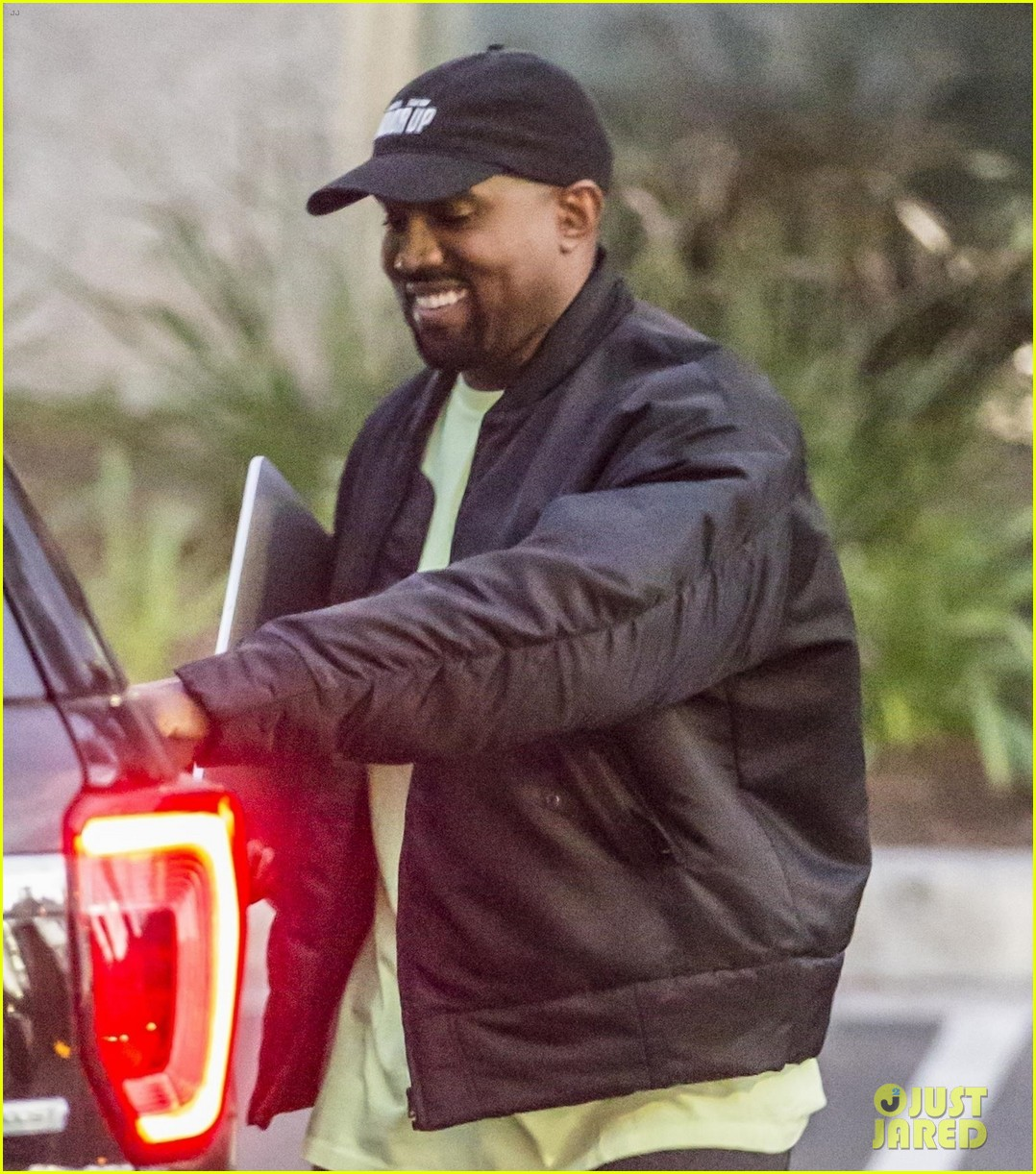 kanye west is all smiles after chicagos name revealed 024017610