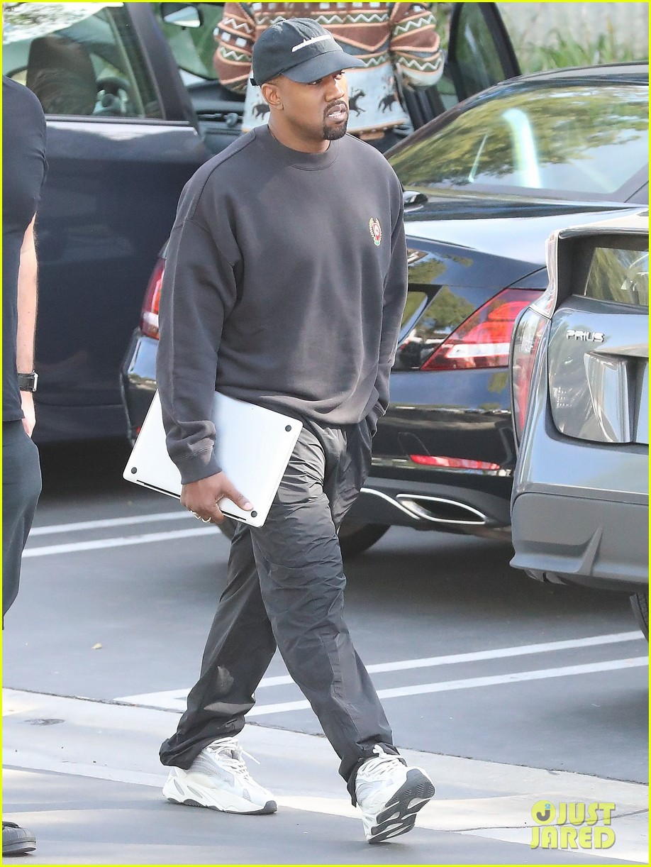 lkanye west office january 18 014016393
