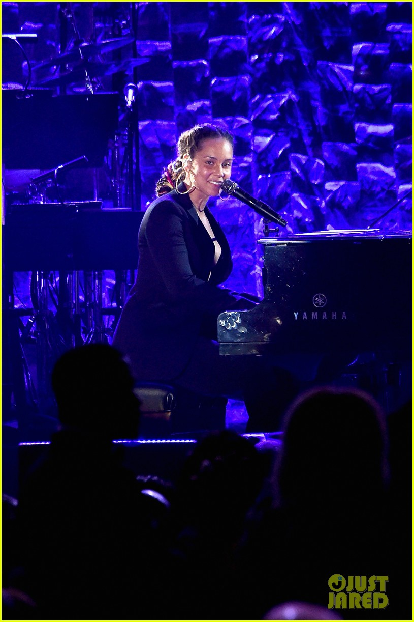 alicia keys ben platt perform at clive davis pre grammys party 014022333