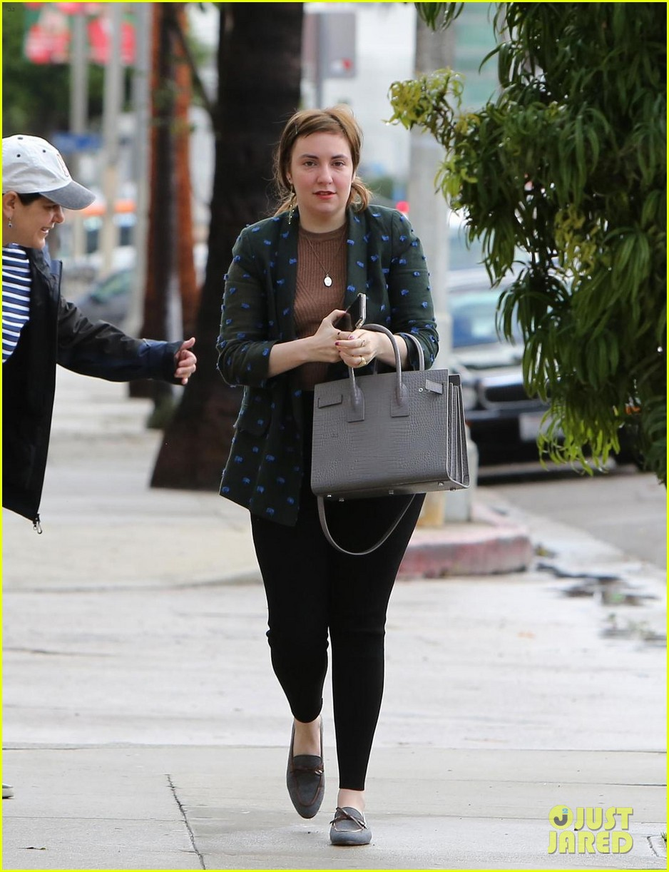 lena dunham split first time out 024011739