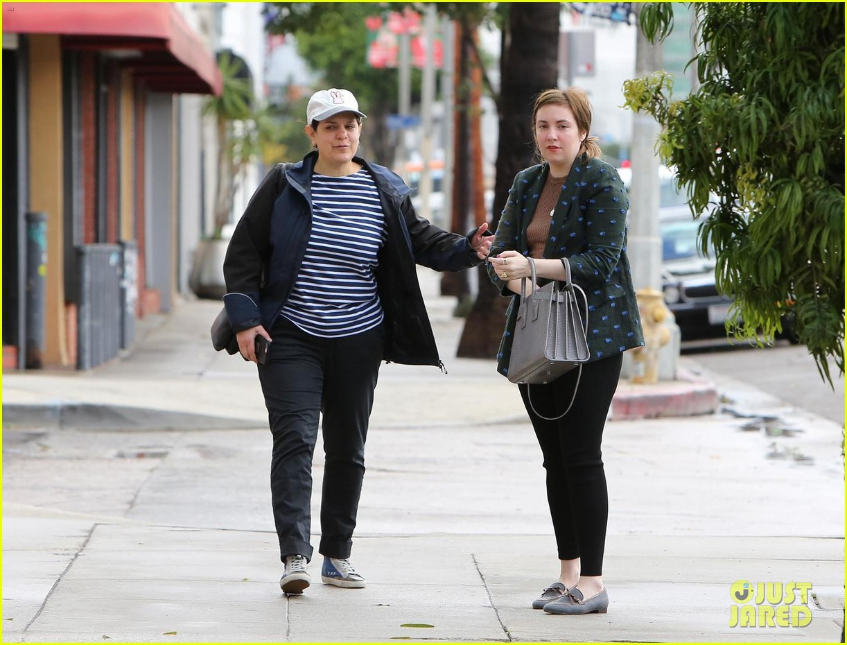 lena dunham split first time out 054011742