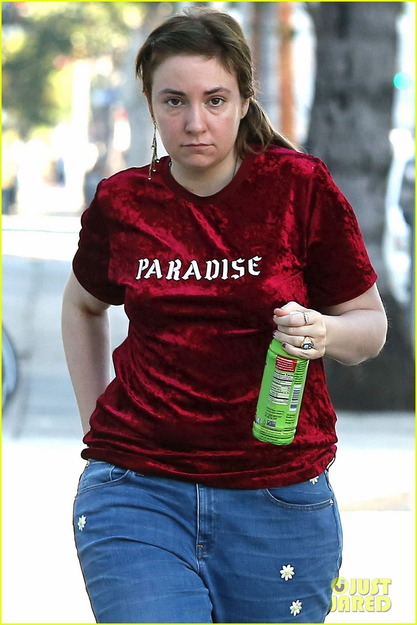 lena dunham steps out after breakup 044014052