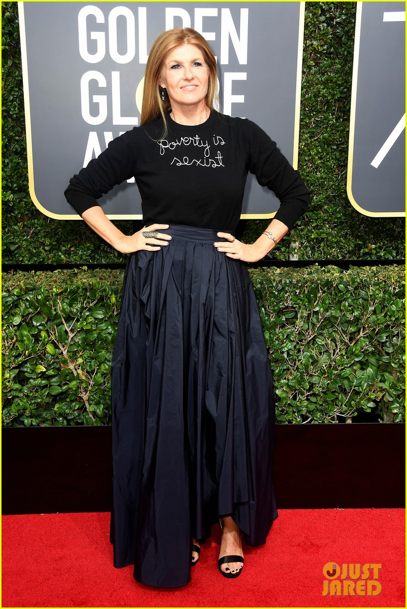 maggie gyllenhaal 2018 golden globes carpet 024010109