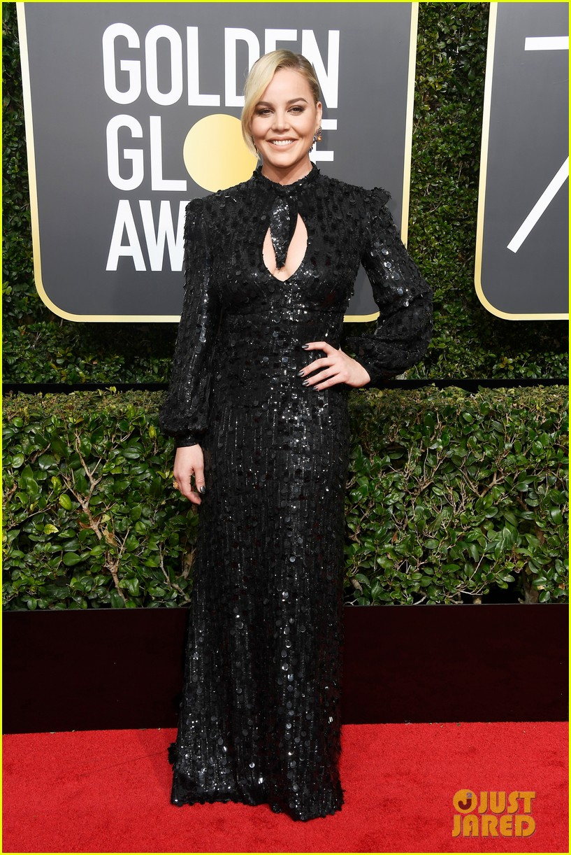 maggie gyllenhaal 2018 golden globes carpet 034010110