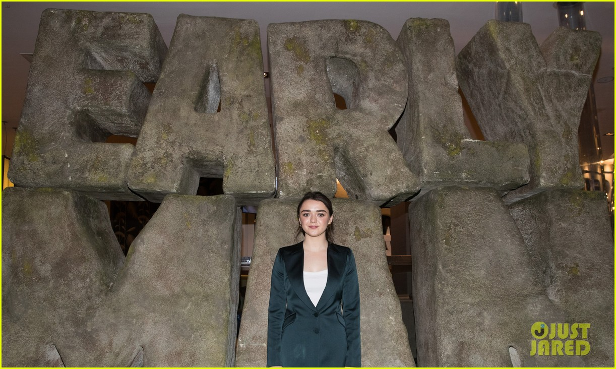 maisie williams early man event 044019596