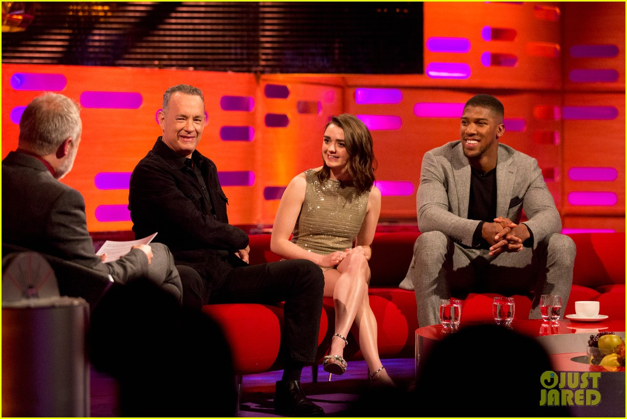 maisie williams tom hanks graham norton show 054014300