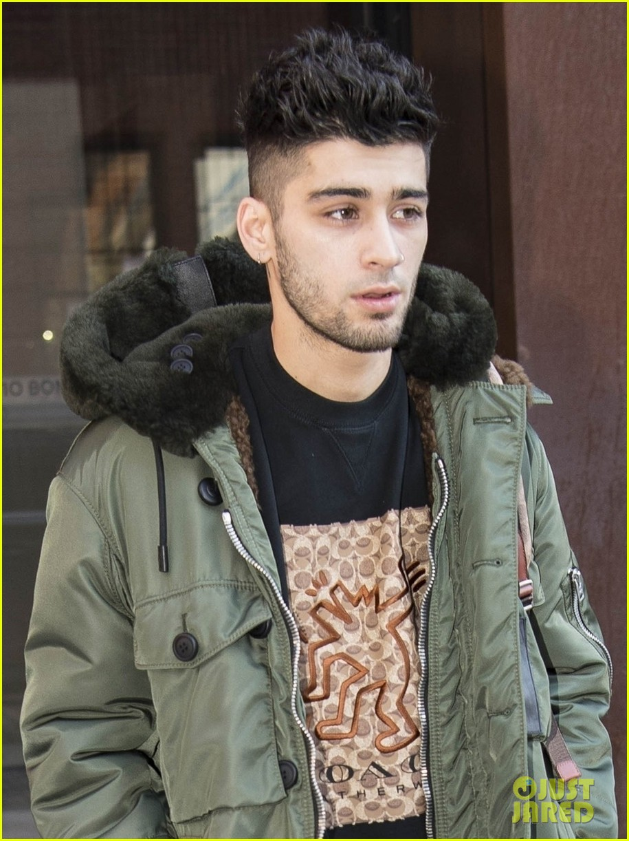 zayn malik makes a stylish exit from gigi hadids apartment 034012325
