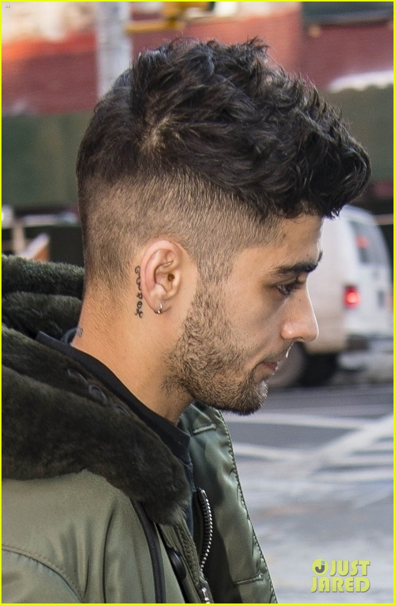zayn malik makes a stylish exit from gigi hadids apartment 054012327