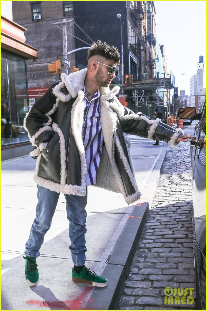 zayn malik steps out after celebraring his birthday in nyc 034014235
