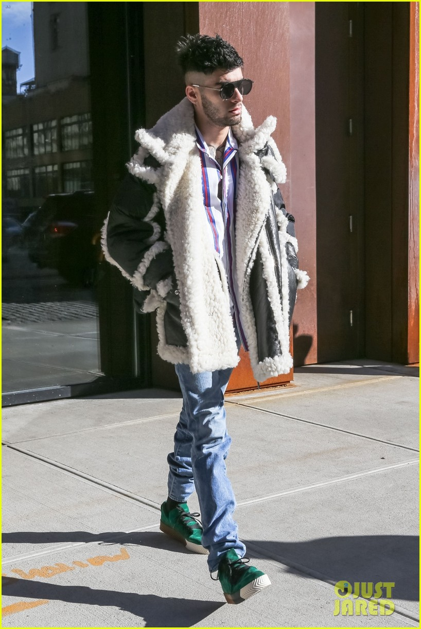 zayn malik steps out after celebraring his birthday in nyc 054014237