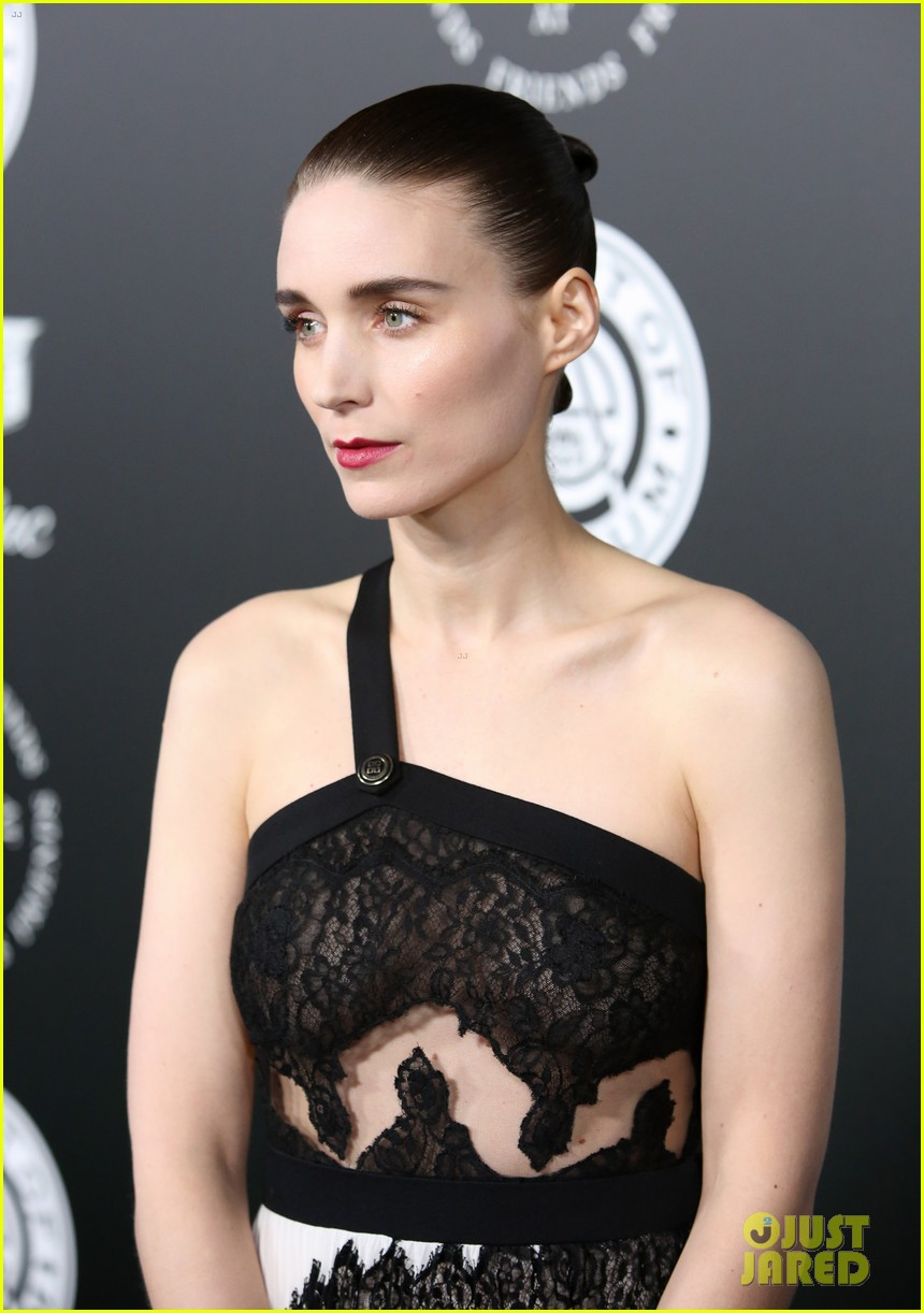 rooney mara joaquin phoenix art of elysium 054009055