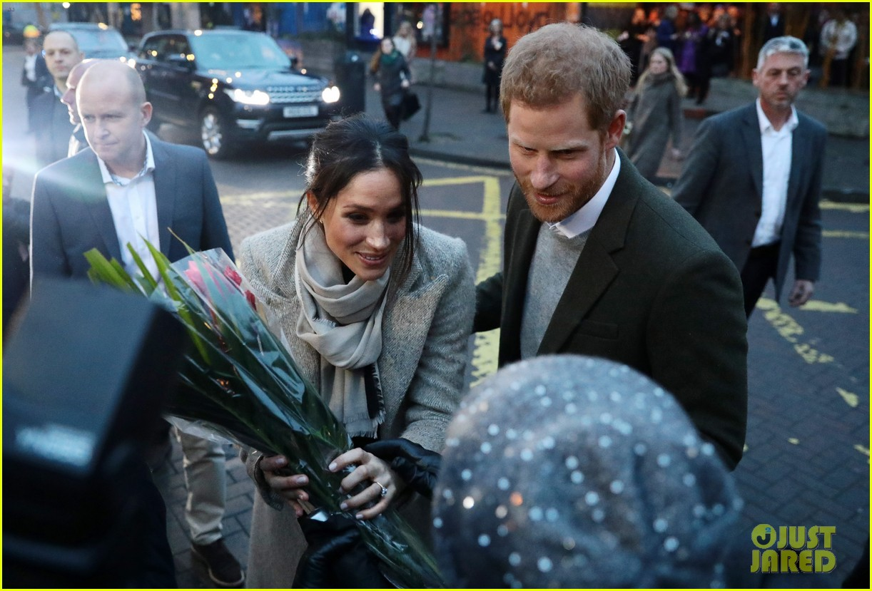 meghan markle outfit details 134011447