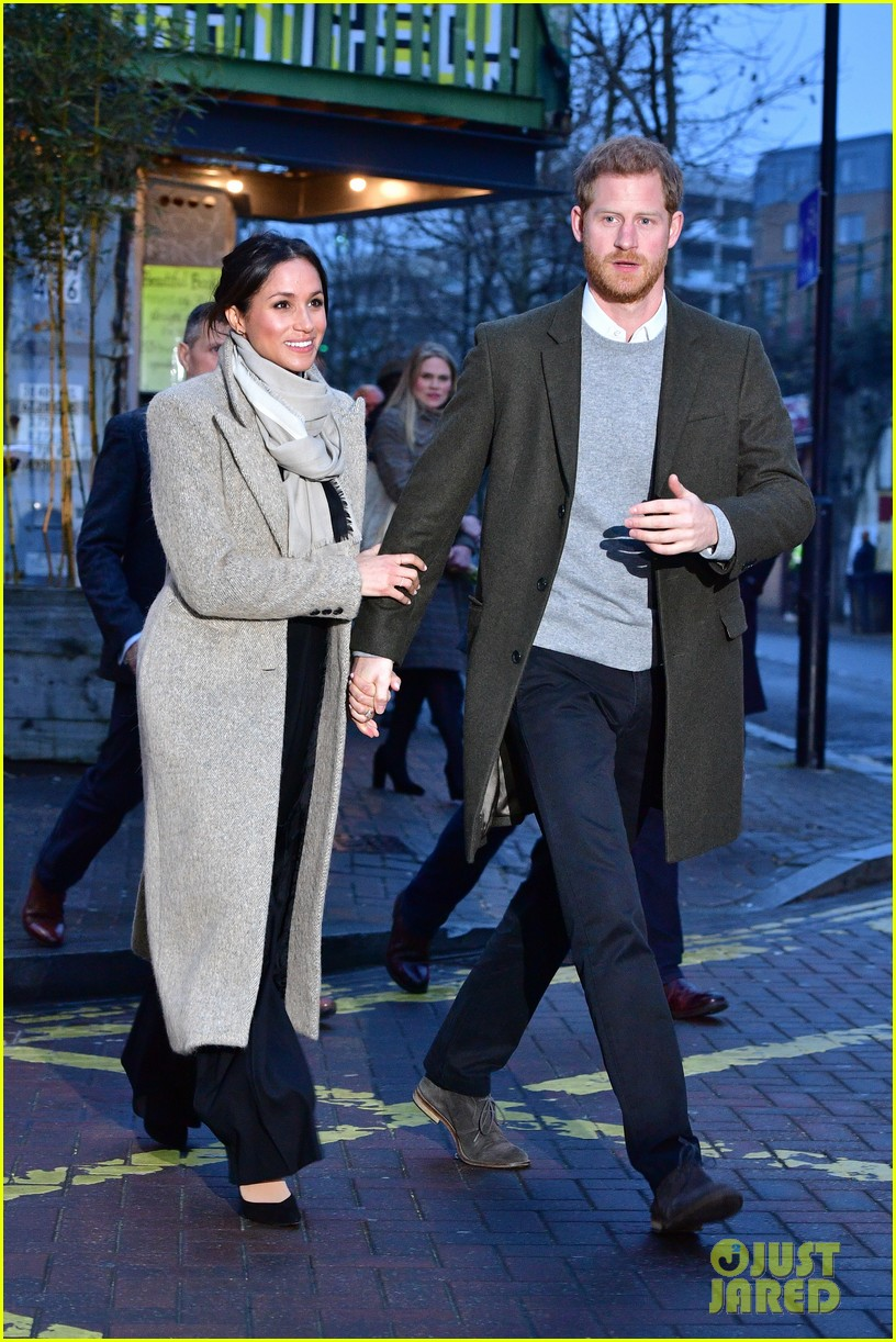 meghan markle outfit details 144011448