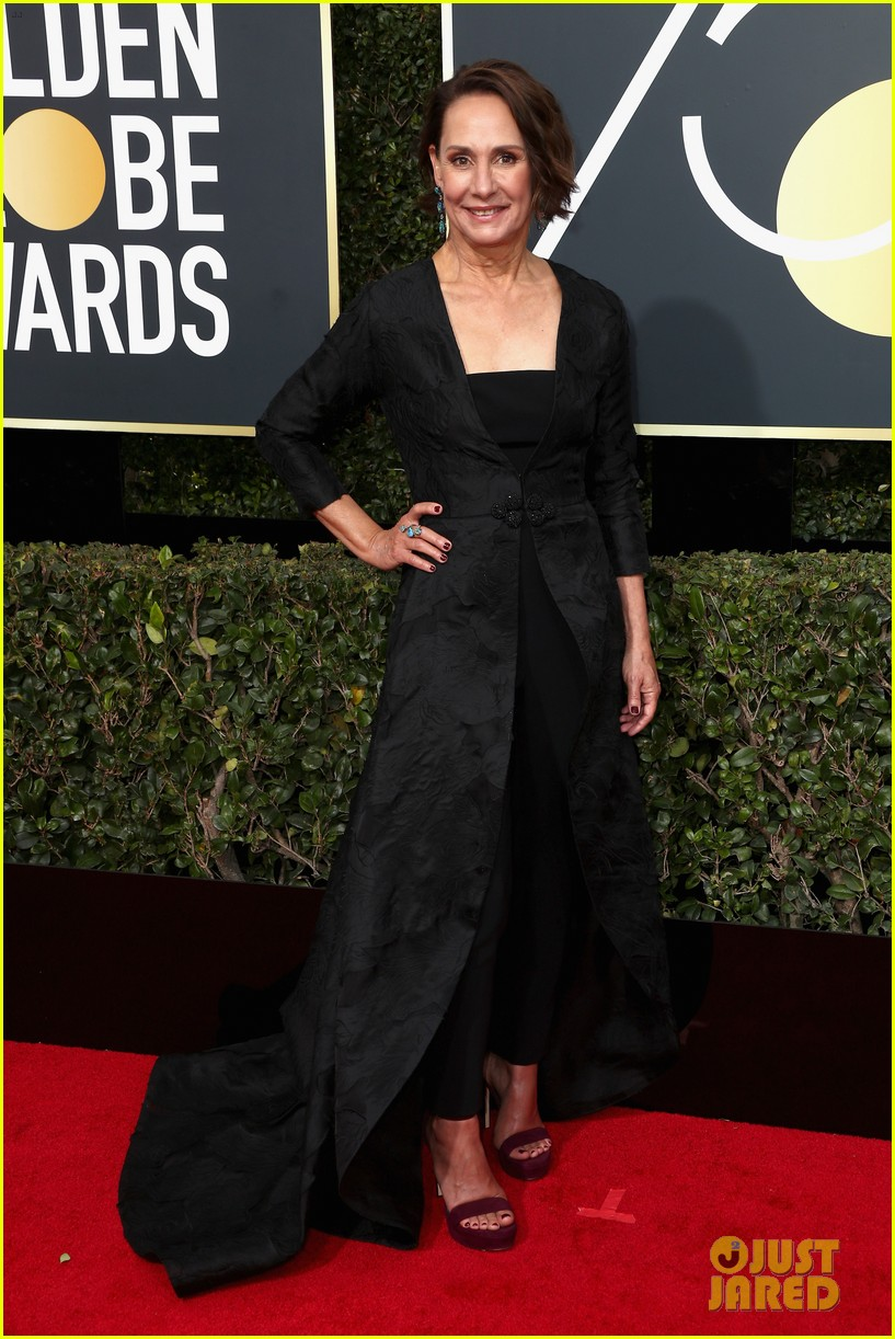laurie metcalf allison janney golden globes 2018 014009578