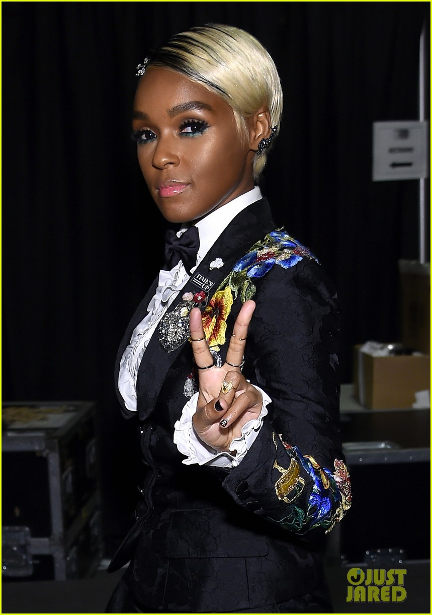 janelle monae delivers powerful grammys 2018 speech for times up 054023279