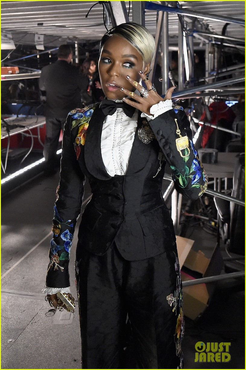 janelle monae delivers powerful grammys 2018 speech for times up 174023291