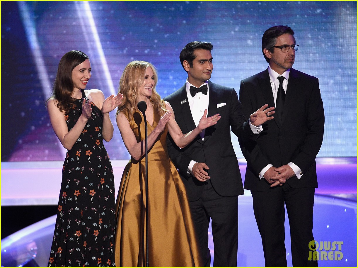 kumail nanjiani emily v gordon bring the big sick to sag awards 024018870