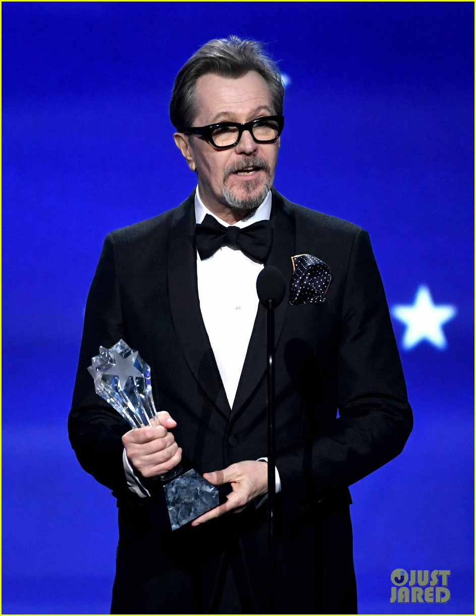Gary Oldman Wins Best Actor For Darkest Hour At Critics Choice Awards