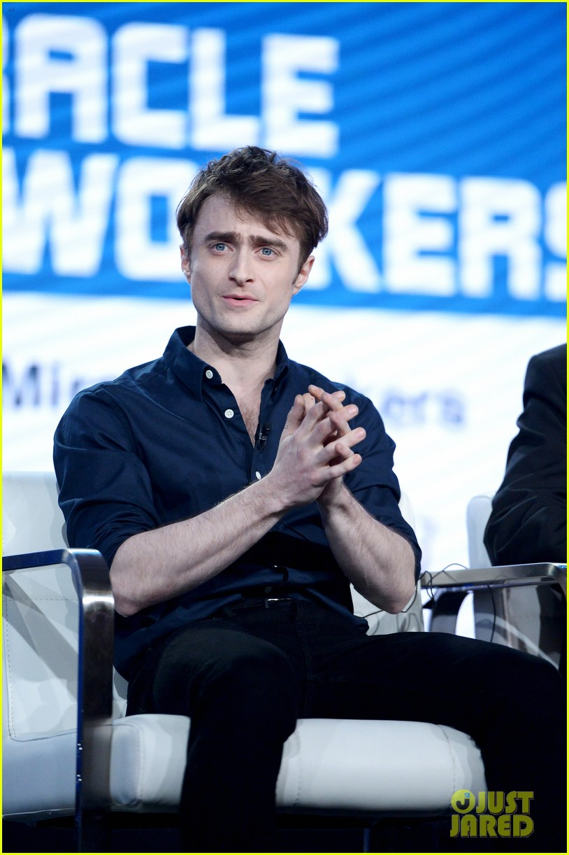 daniel radcliffe and steve buscemi bring miracle workers to winter tca tour 2018 174013504